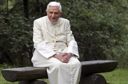 CATHOLICVS-Papa-emerito-Benedicto-XVI-Pope-Emeritus-Benedict-XVI